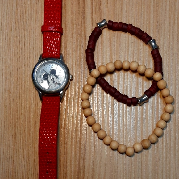 🎉Bundle of DISNEY wristwatch and elastic bracelet